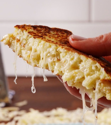 gallery-1487862476-delish-cauliflower-grilled-cheese-pin-1